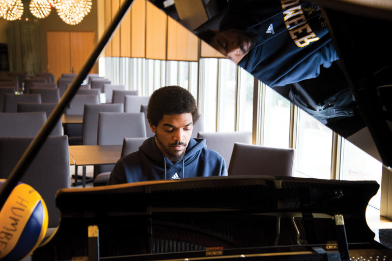 Matthew Isaacs has studied jazz piano focusing on a Neo-Soul style that fuses smooth jazz with contemporary rhythm and blues. (Katherine Green)