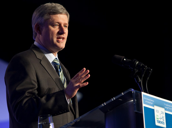 Stephen Harper wants to hold on to his place in government and is using all his power to fight a surrounding opposition. (Photo: Creative Commons, Stephen Harper)