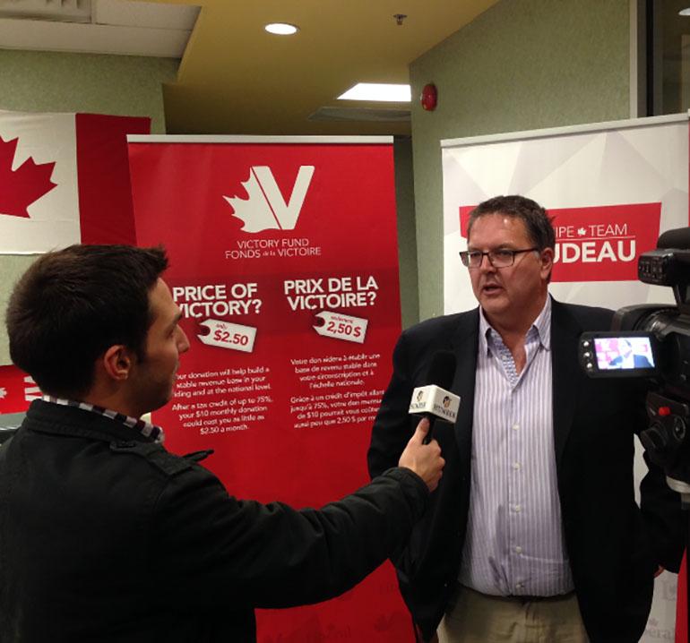 Domenic Loschiavo interviews Liberal MP James Maloney before his victory. Photo: Alex Drobin)
