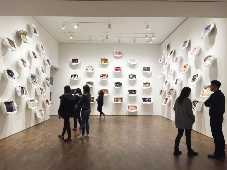 """""""Liz Magor's: Surrender"""" is a contemporary art piece on display in the Art Gallery of Ontario, where students can enjoy free admission Wednesday evenings. ROM opens doors on Tuesdays. (Photo: Katherine Aylesworth)"""