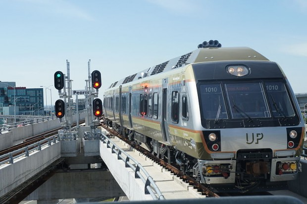 Union Pearson Express train approaching Pearson Airport. (Photo: Courtesy of Wikimedia)